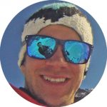 Simon Grünauer ist Ski- und Snowboardlehrer in der Region Arlberg.