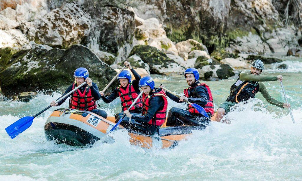 Eine Rafting Tour mit Freunden in Salzburg.