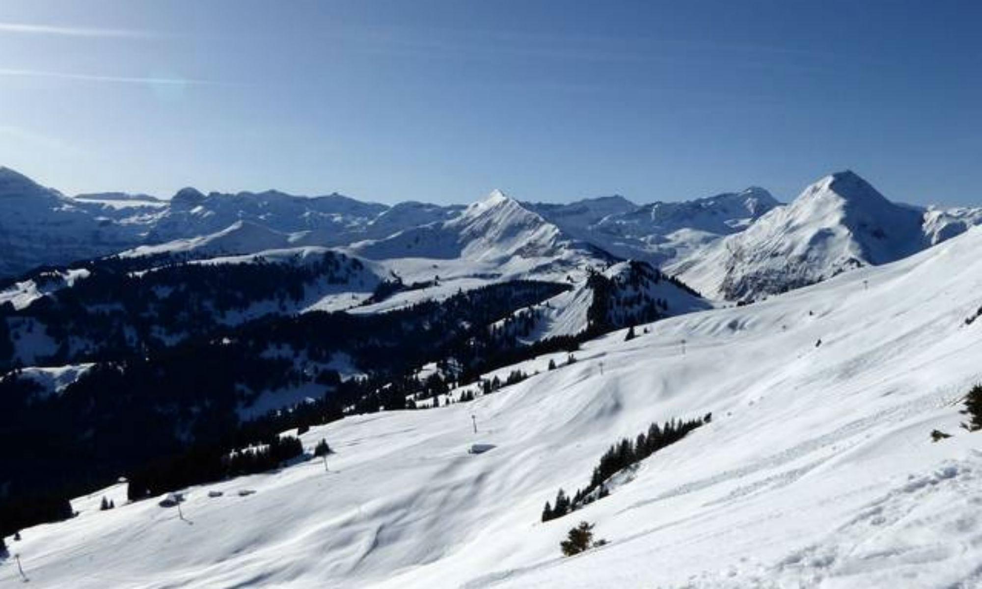 Panorama des Parwengesattel vom Rinderberg aus.