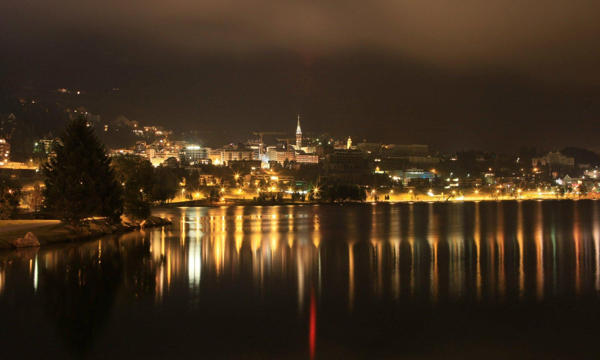 St. Moritz bei Nacht.