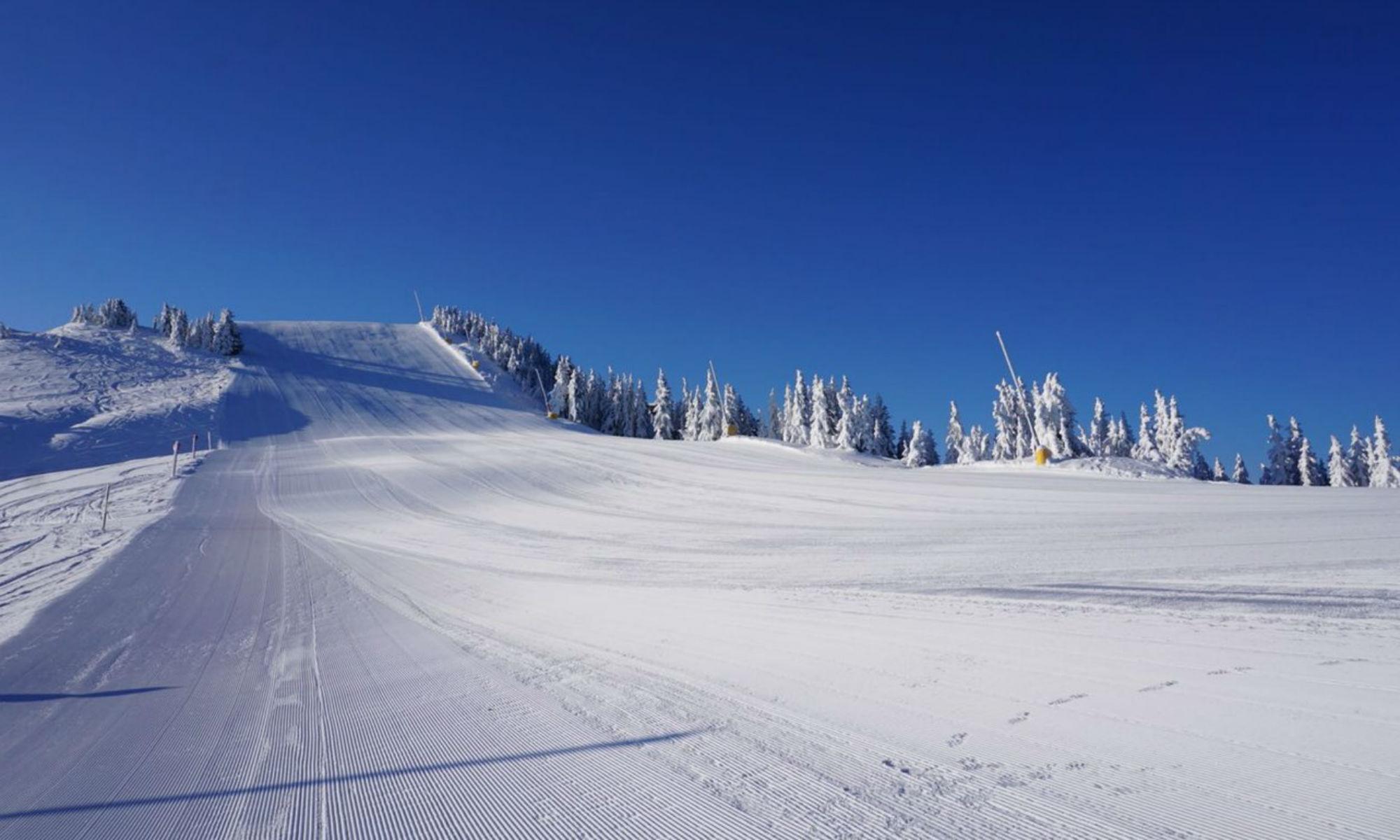 Perfekt präparierte Piste im Skigebiet SkiJuwel Alpachtal Wildschönau.