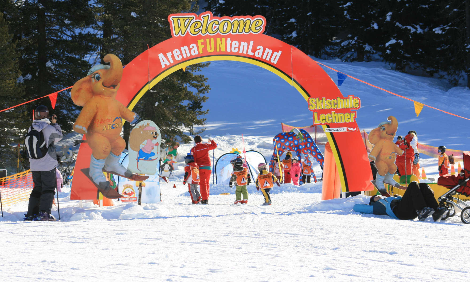 Children are having a great time in the Kinderland FUNtenLand in Zell am Ziller.