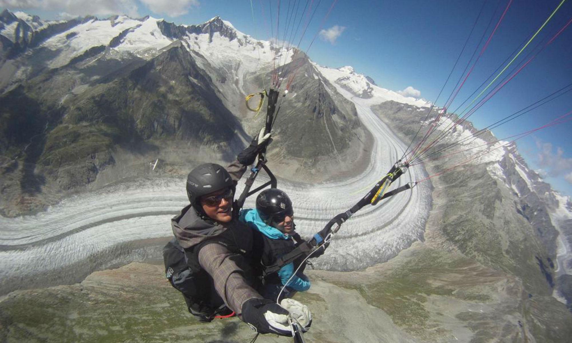 Ein Tandemflug über den Aletschgletscher.