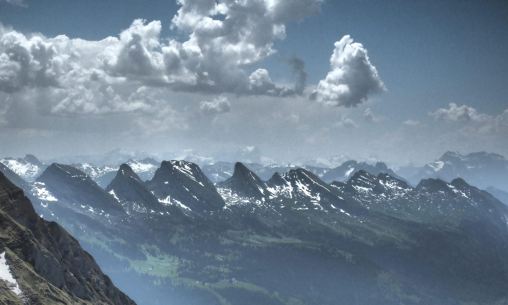 Das Bergpanorama der Churfirsten.