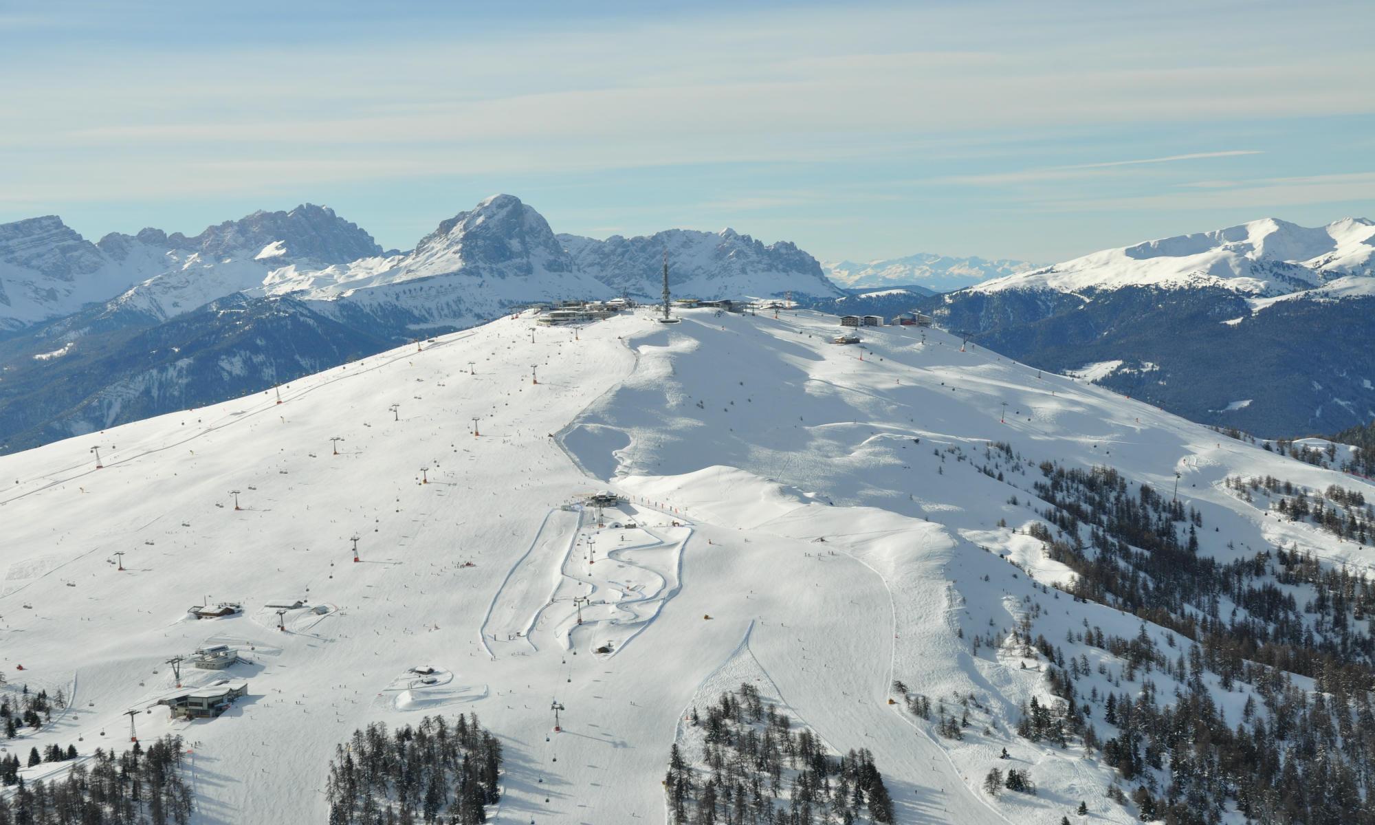 Il Plan de Corones offre una terrazza panoramica con vista a 360°.
