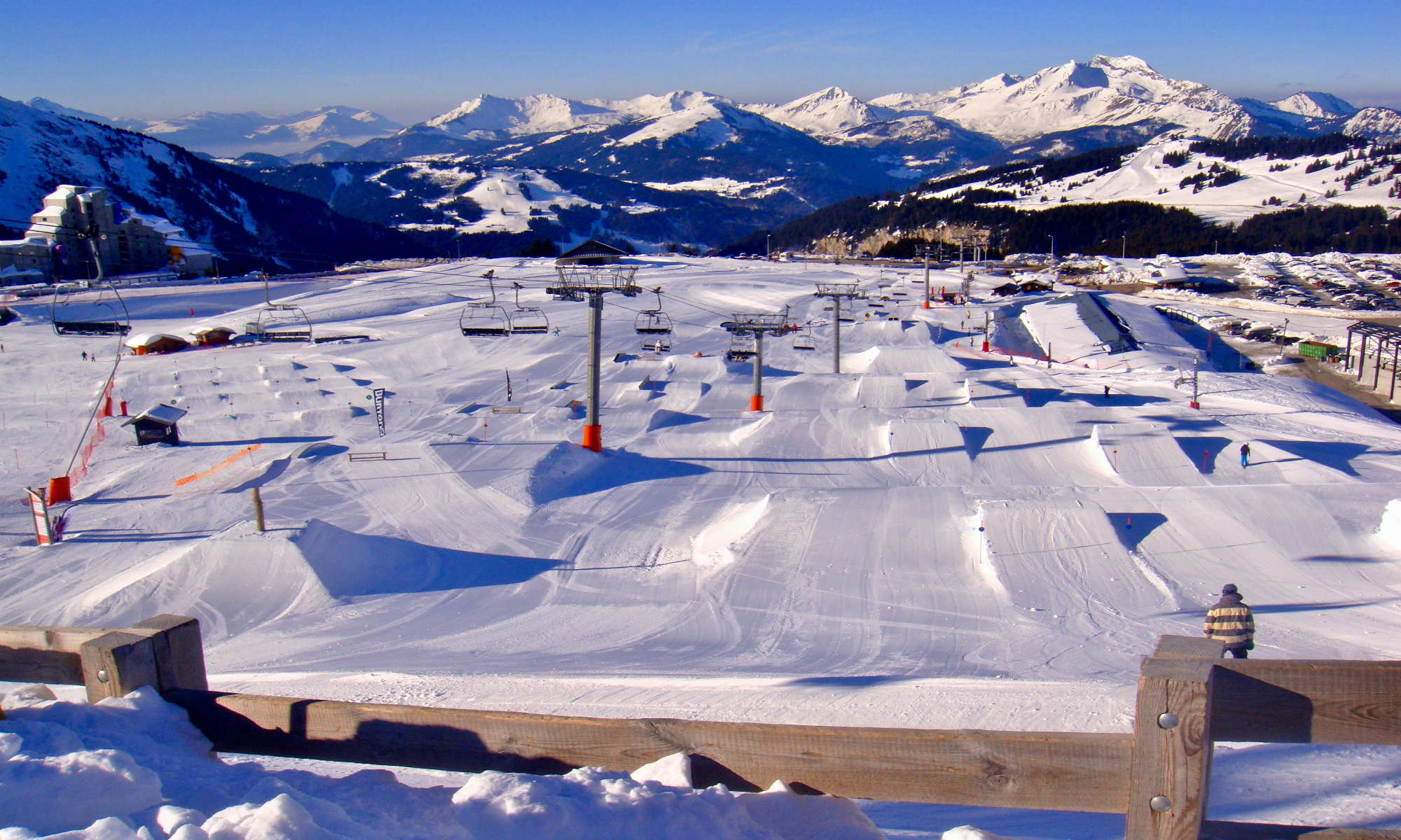 View over one of the 7 snowparks in Avoriaz.