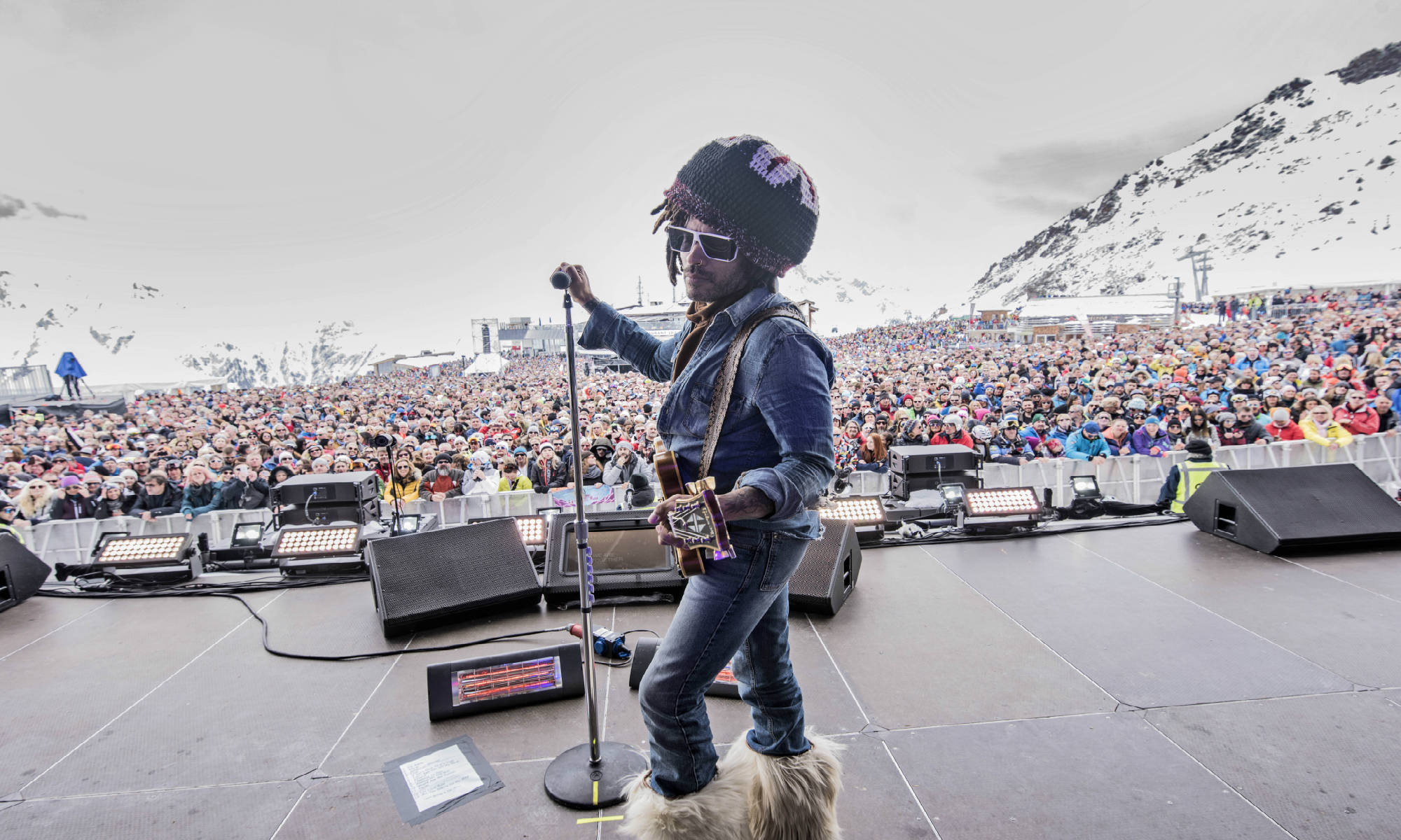 Lenny Kravitz op het podium tijdens het Top of the Mountain Closing Concert in 2019.