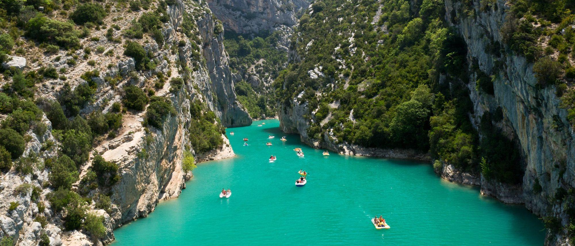 Das wunderschöne türkisblaue Wasser der Verdonschlucht.