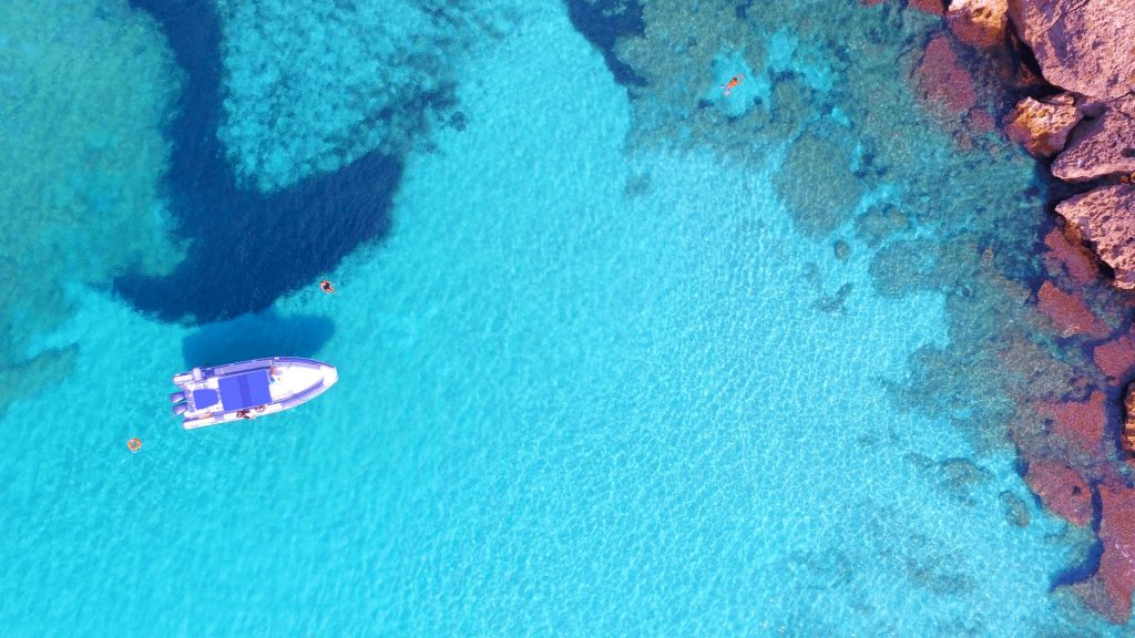 Una vista panoramica della spiaggia di Punta Prosciutto, perfetta per lo snorkeling.