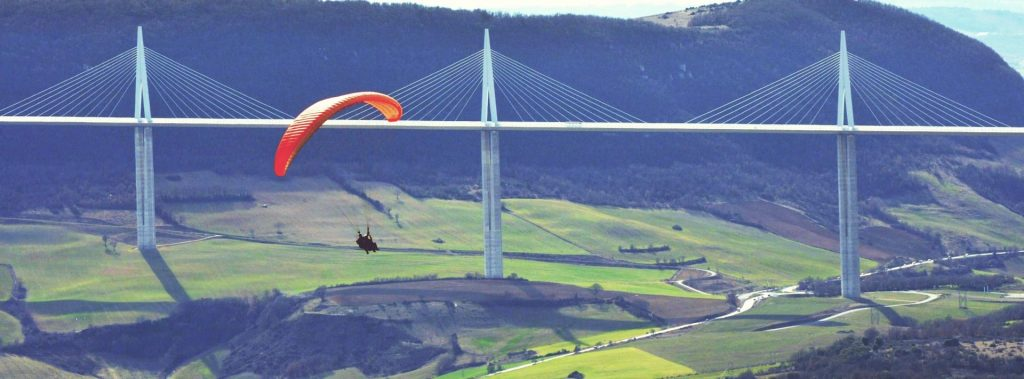 Paragliding in Millau will allow you to explore the famous Millau Viaduct from a completely new perspective.